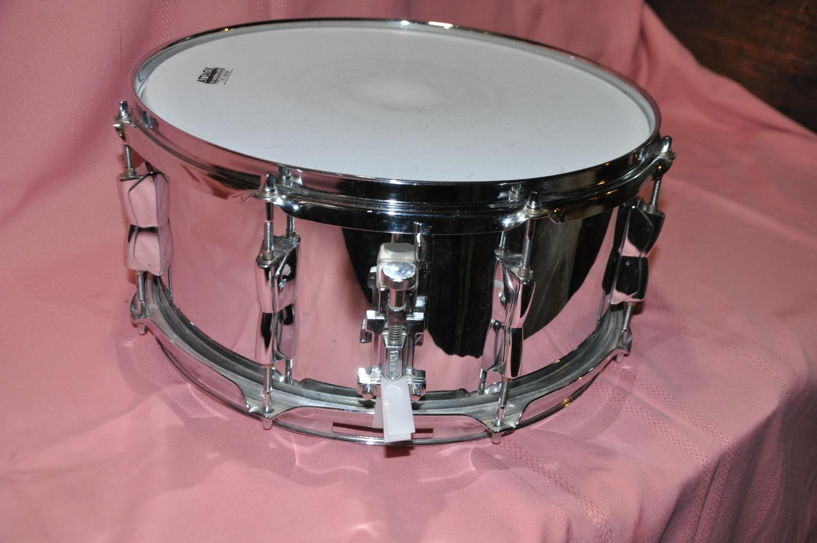 Yamaha steel shell snare drum sd246 14x6 5 w stand and for Yamaha stage custom steel snare drum 14x6 5