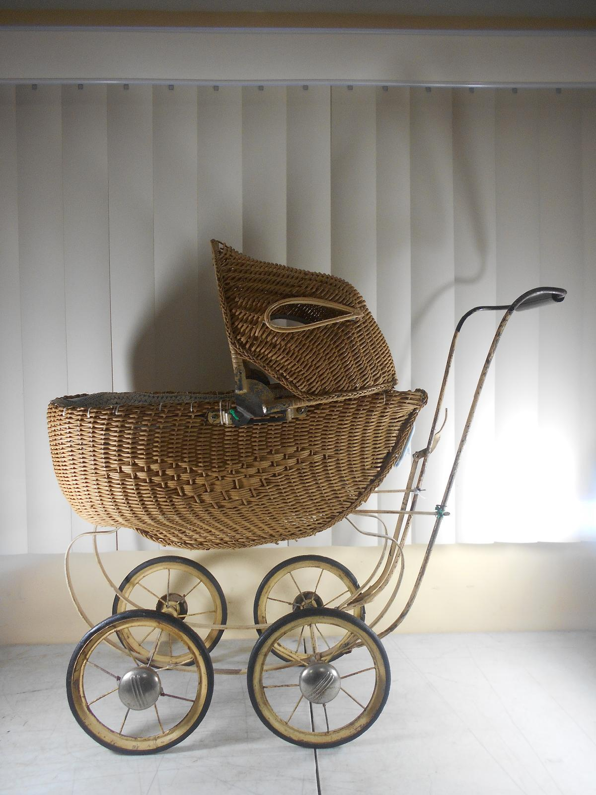 Vintage Antique South Bend Toys Wicker Baby Doll Buggy
